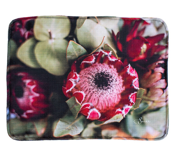 Placemat Ruby Red and Hairy Desert Rose